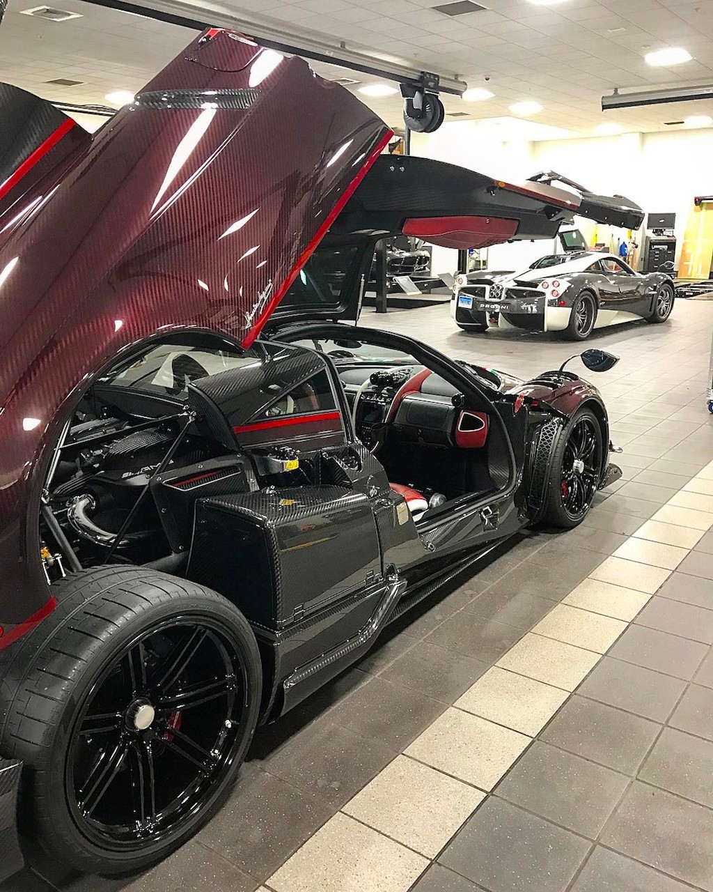 Pagani Huayra BC red carbon (12)