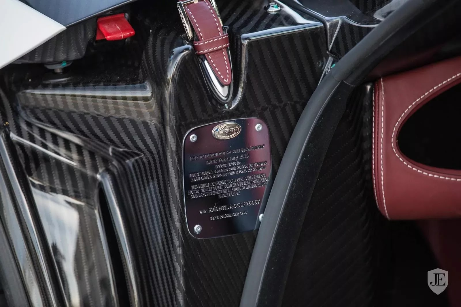 Pagani_Huayra_for_sale_0016