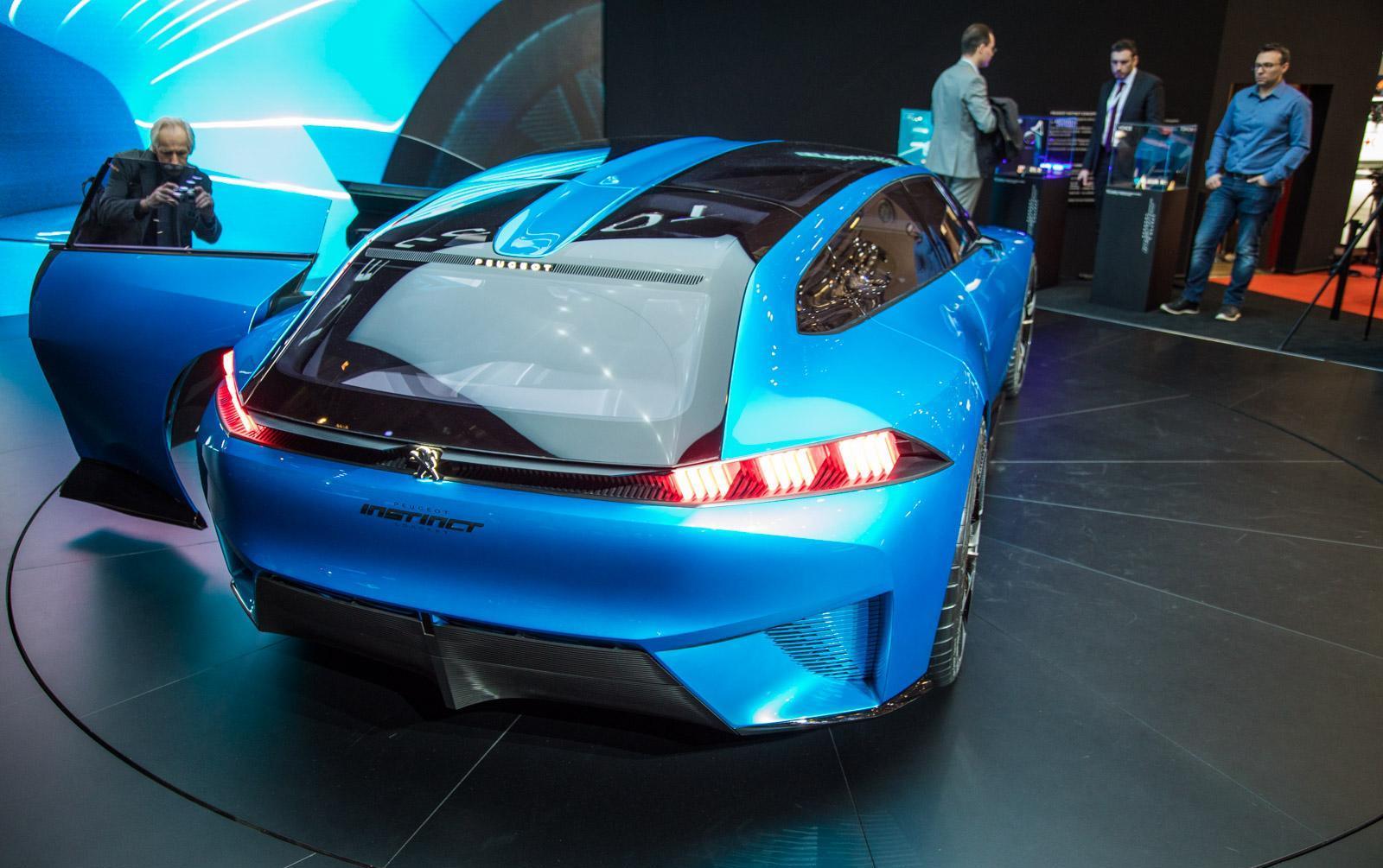 Peugeot-instinct-concept-012