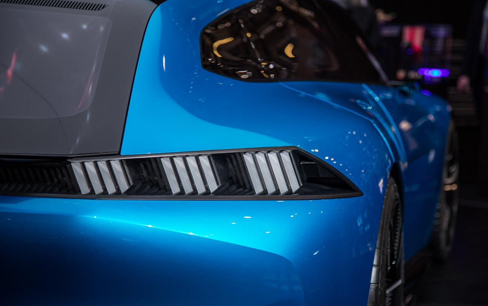 Peugeot-instinct-concept-013