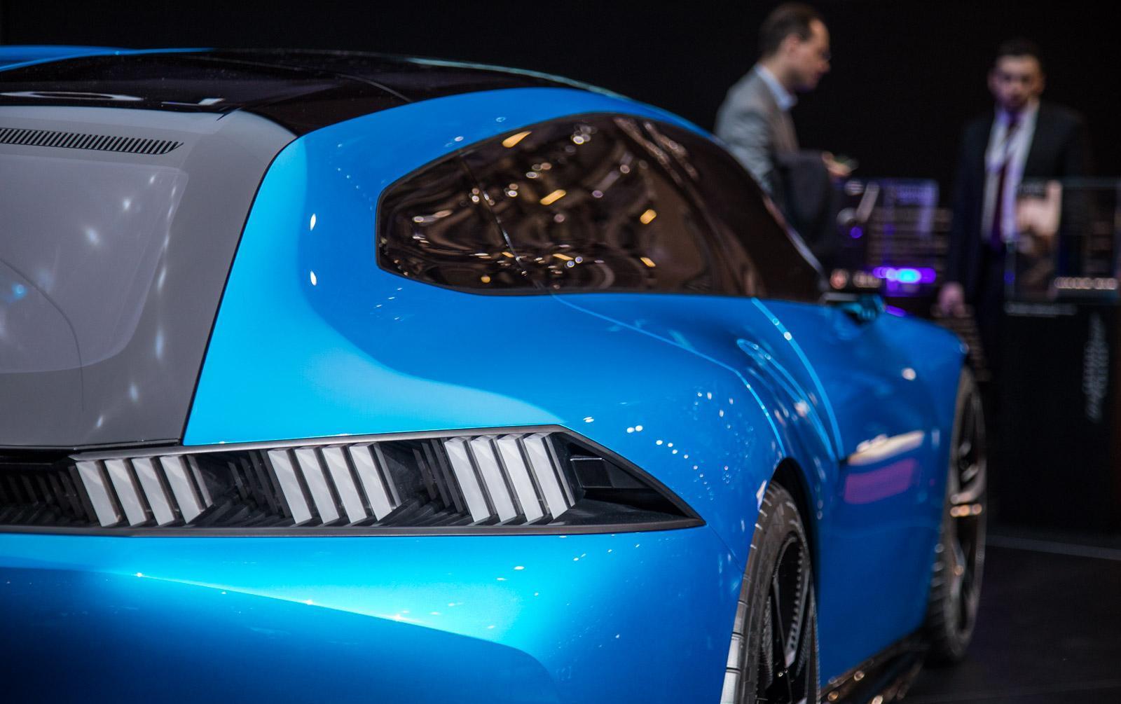Peugeot-instinct-concept-014