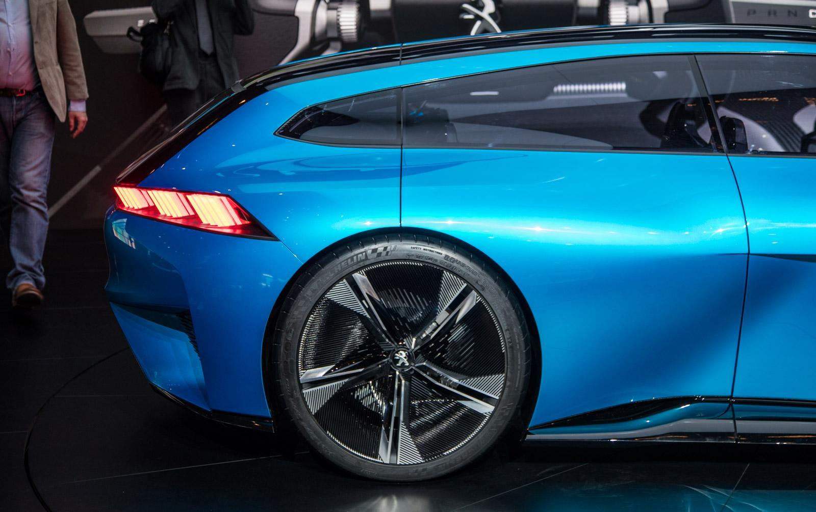 Peugeot-instinct-concept-020