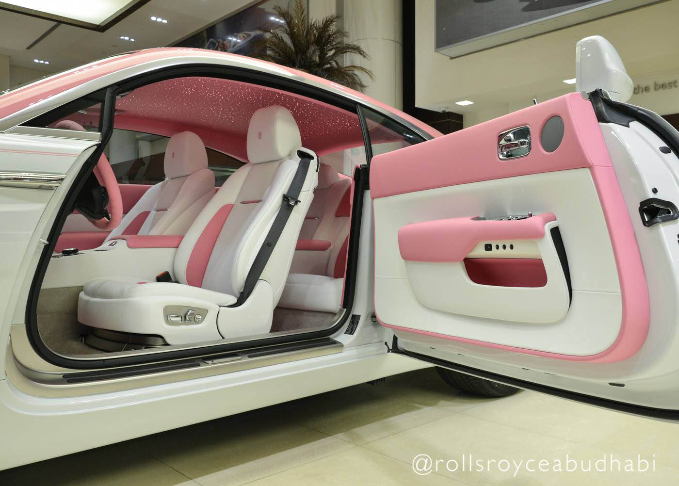 Pink_Rolls-Royce_Wraith_06