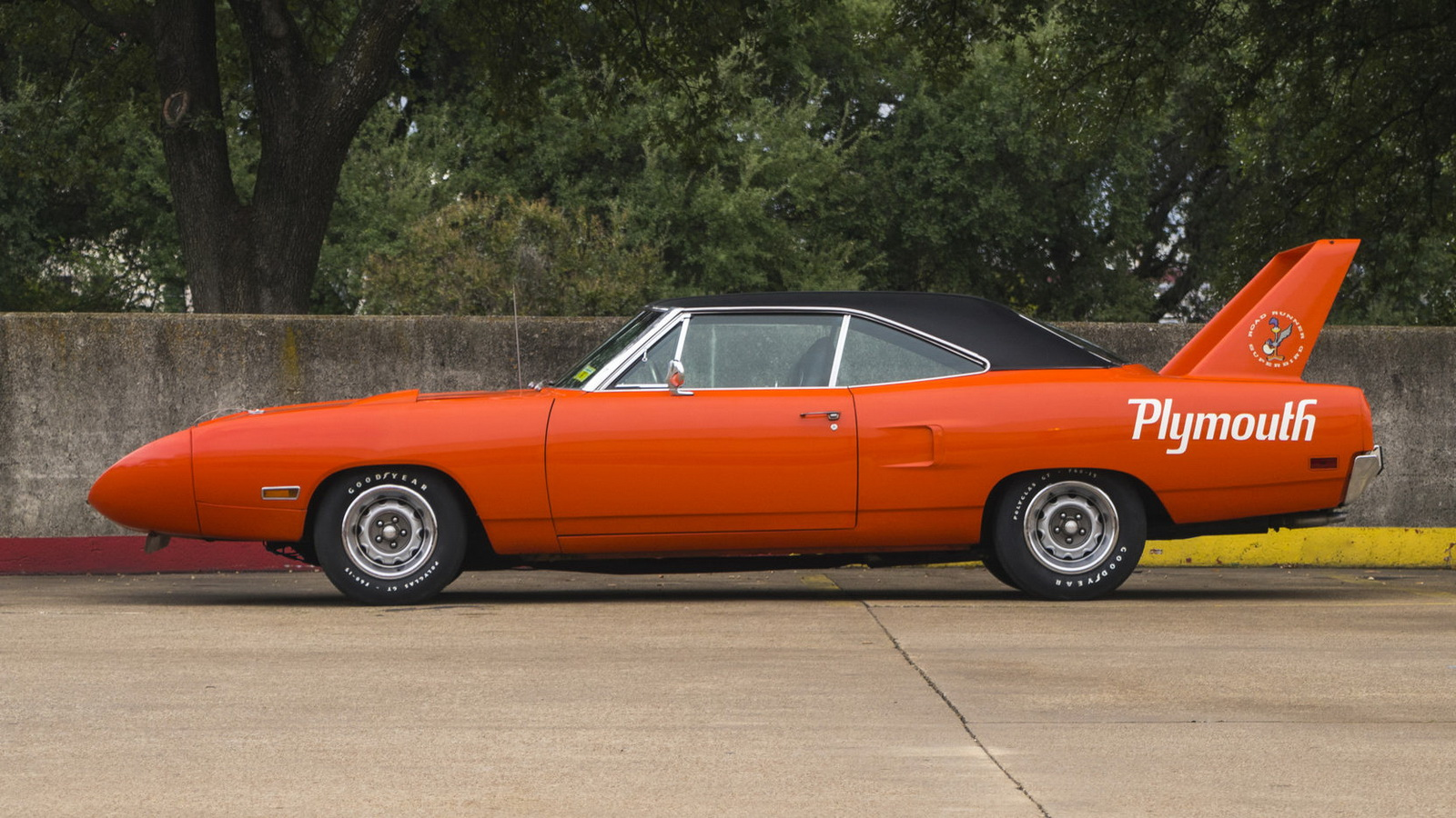Plymouth Hemi Superbird 1970 in auction (2)
