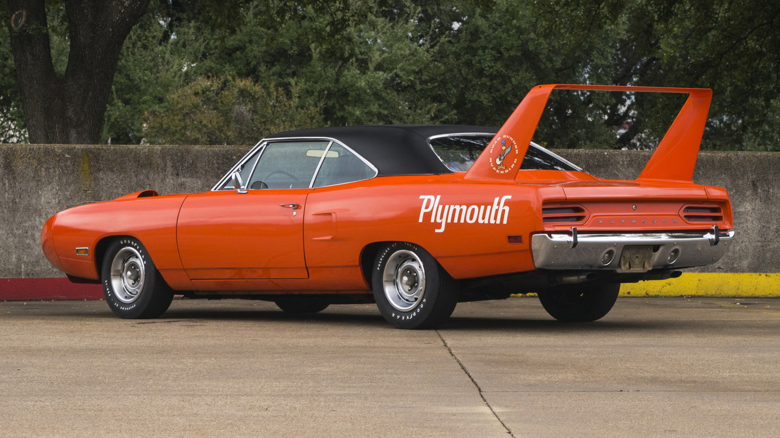 Plymouth Hemi Superbird 1970 in auction (3)