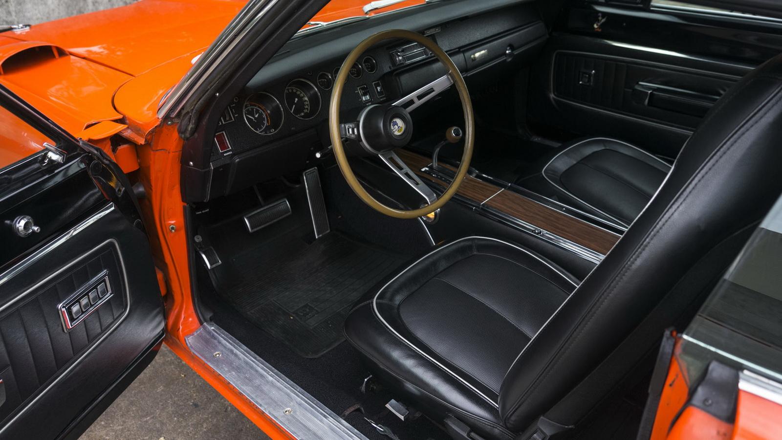 Plymouth Hemi Superbird 1970 in auction (4)