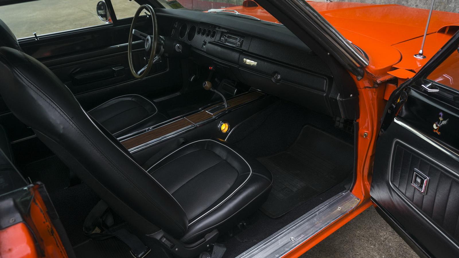 Plymouth Hemi Superbird 1970 in auction (5)