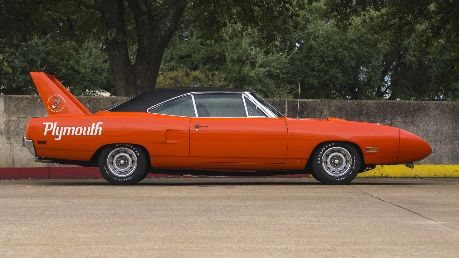 Plymouth Hemi Superbird 1970 in auction (8)