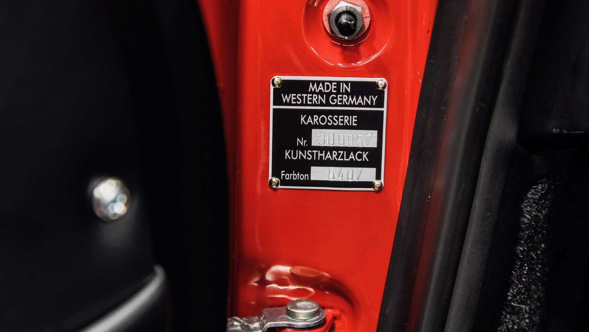 Porsche 901 911 restoration porsche museum (13)