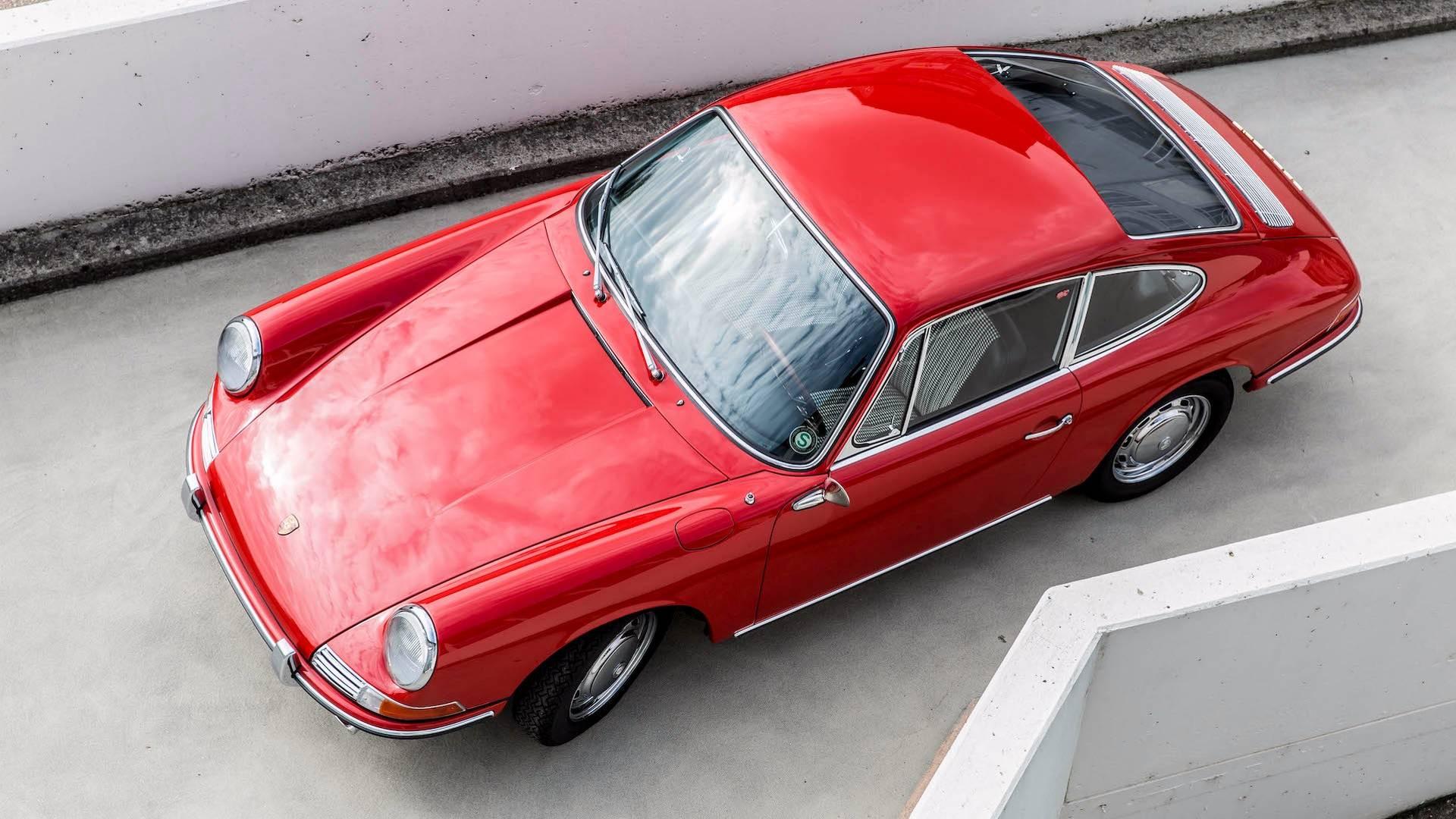 Porsche 901 911 restoration porsche museum (17)