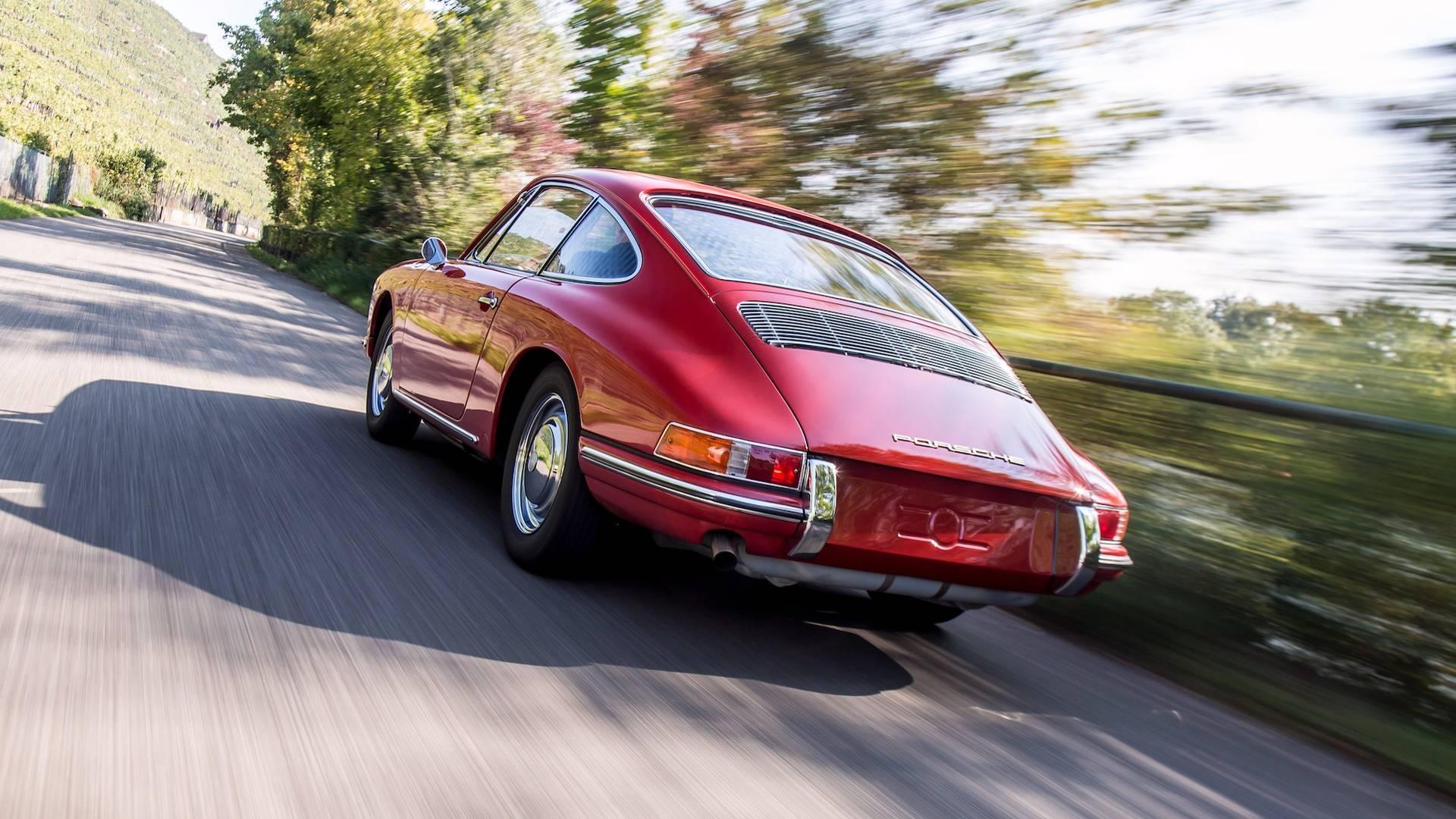 Porsche 901 911 restoration porsche museum (18)