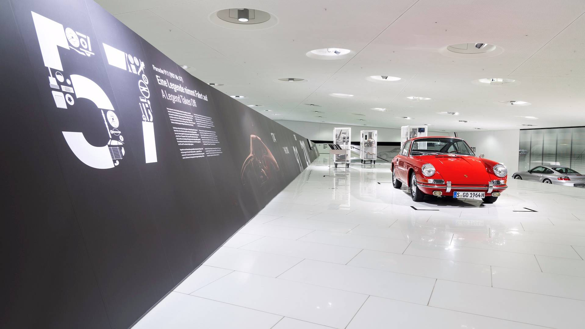 Porsche 901 911 restoration porsche museum (20)