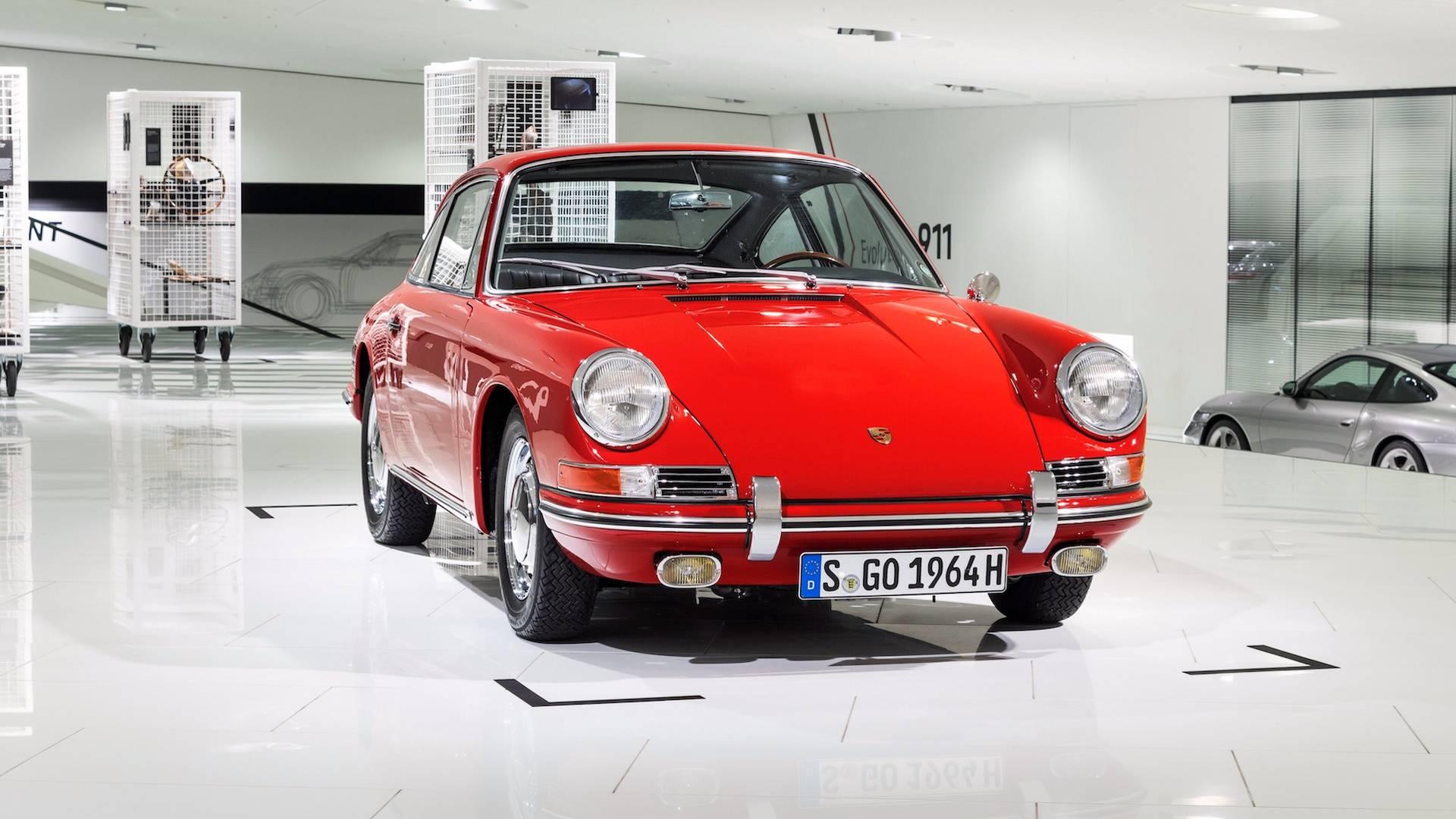 Porsche 901 911 restoration porsche museum (22)