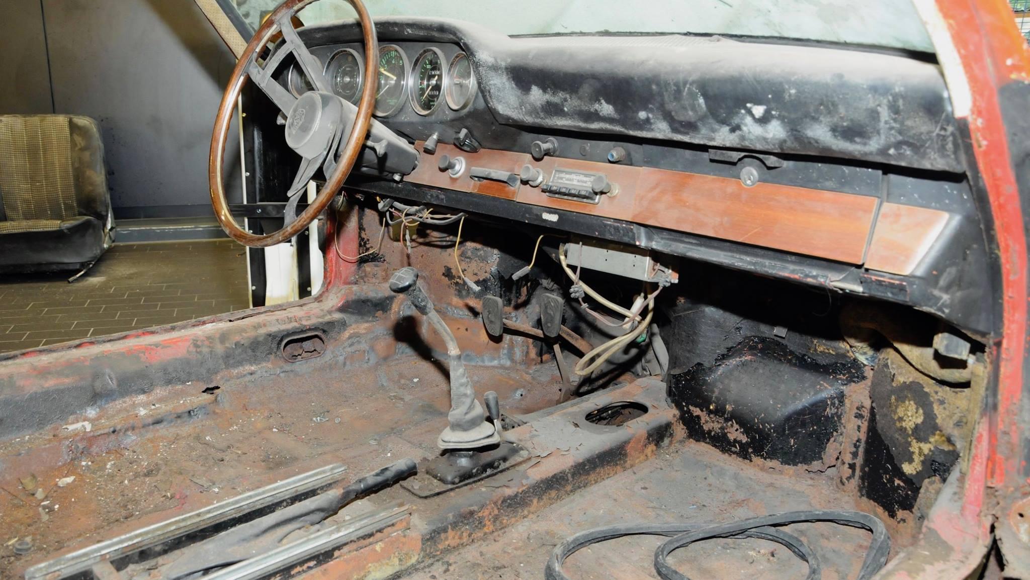 Porsche 901 911 restoration porsche museum (4)
