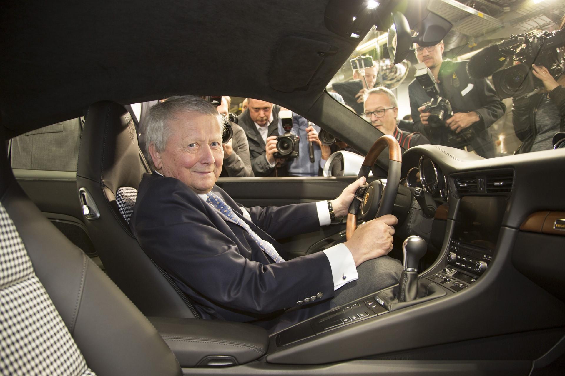 Porsche 911 1 million (3)