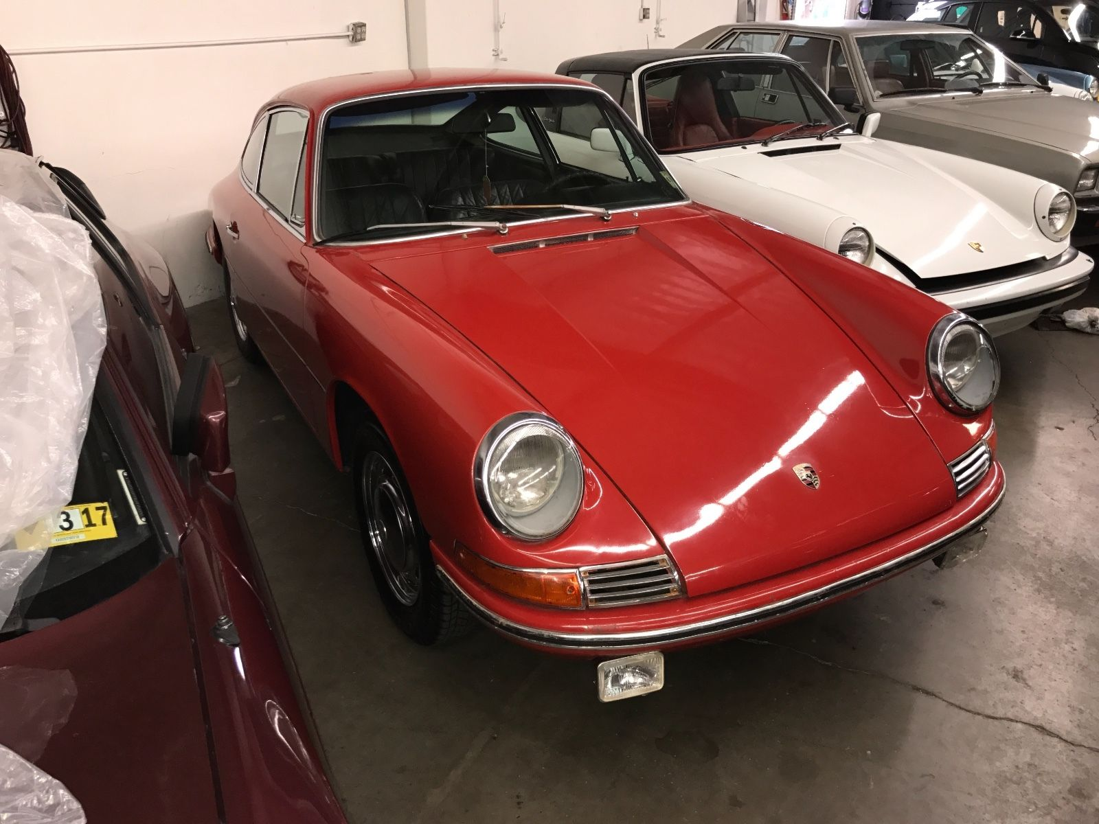 Porsche 911 1965 barn find (1)