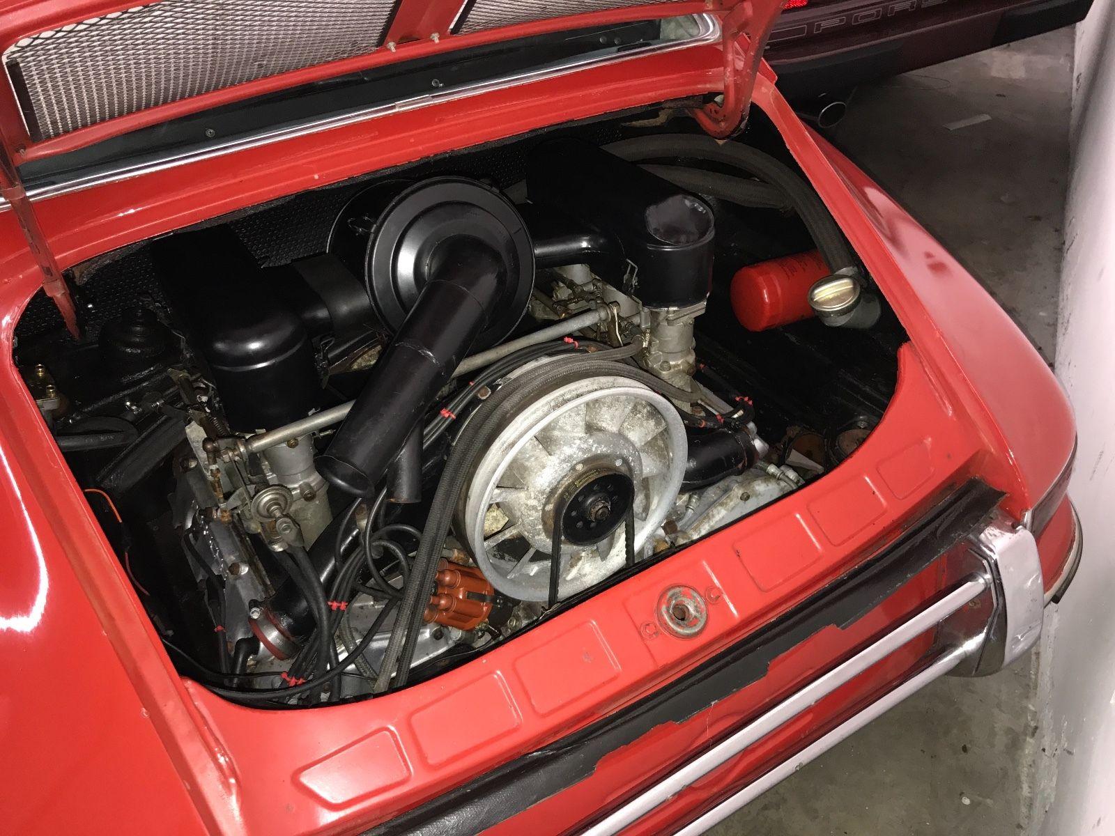 Porsche 911 1965 barn find (17)