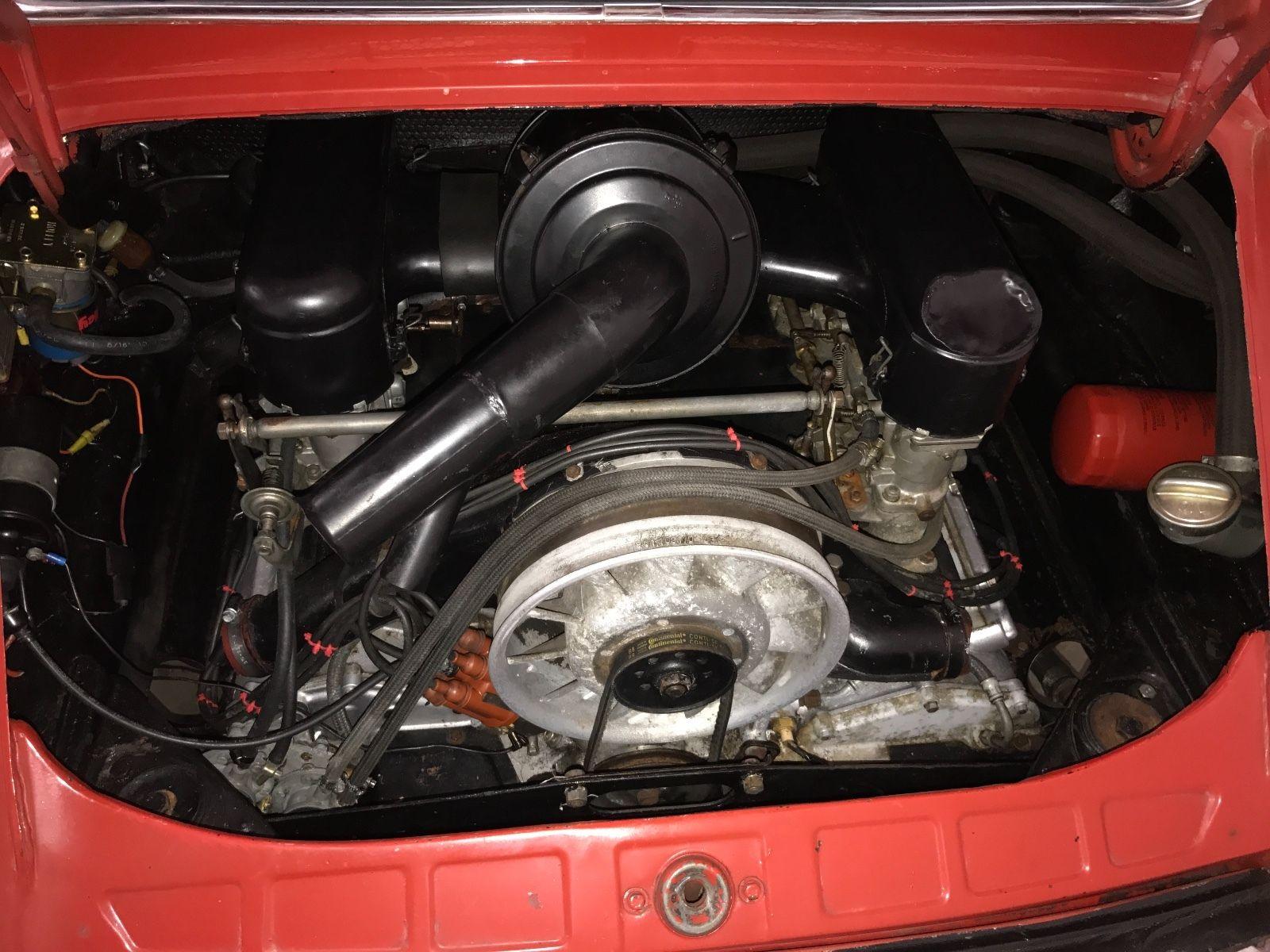Porsche 911 1965 barn find (18)