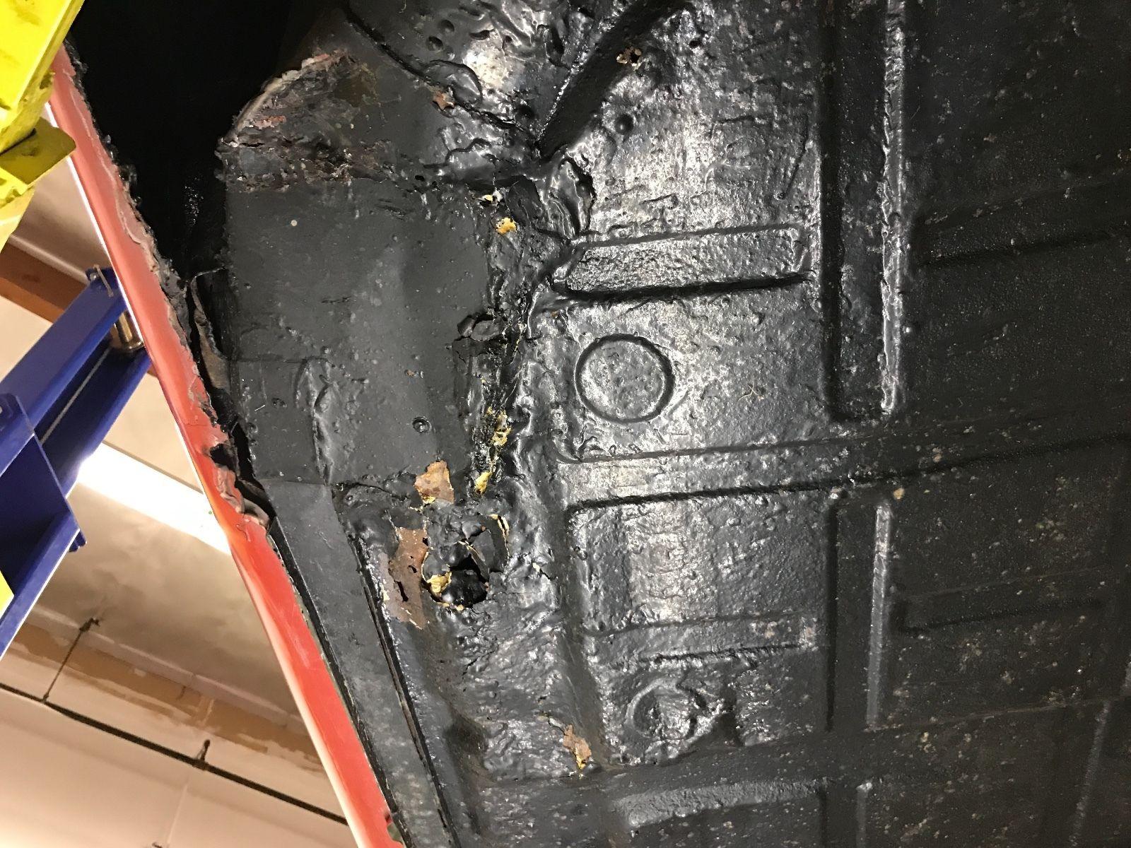 Porsche 911 1965 barn find (21)