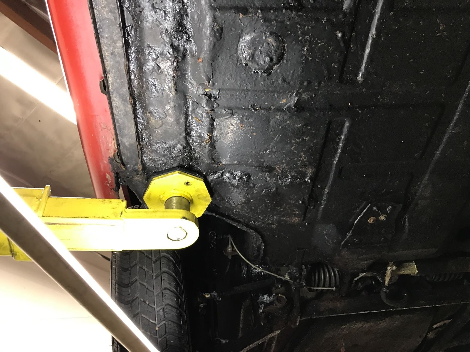 Porsche 911 1965 barn find (23)