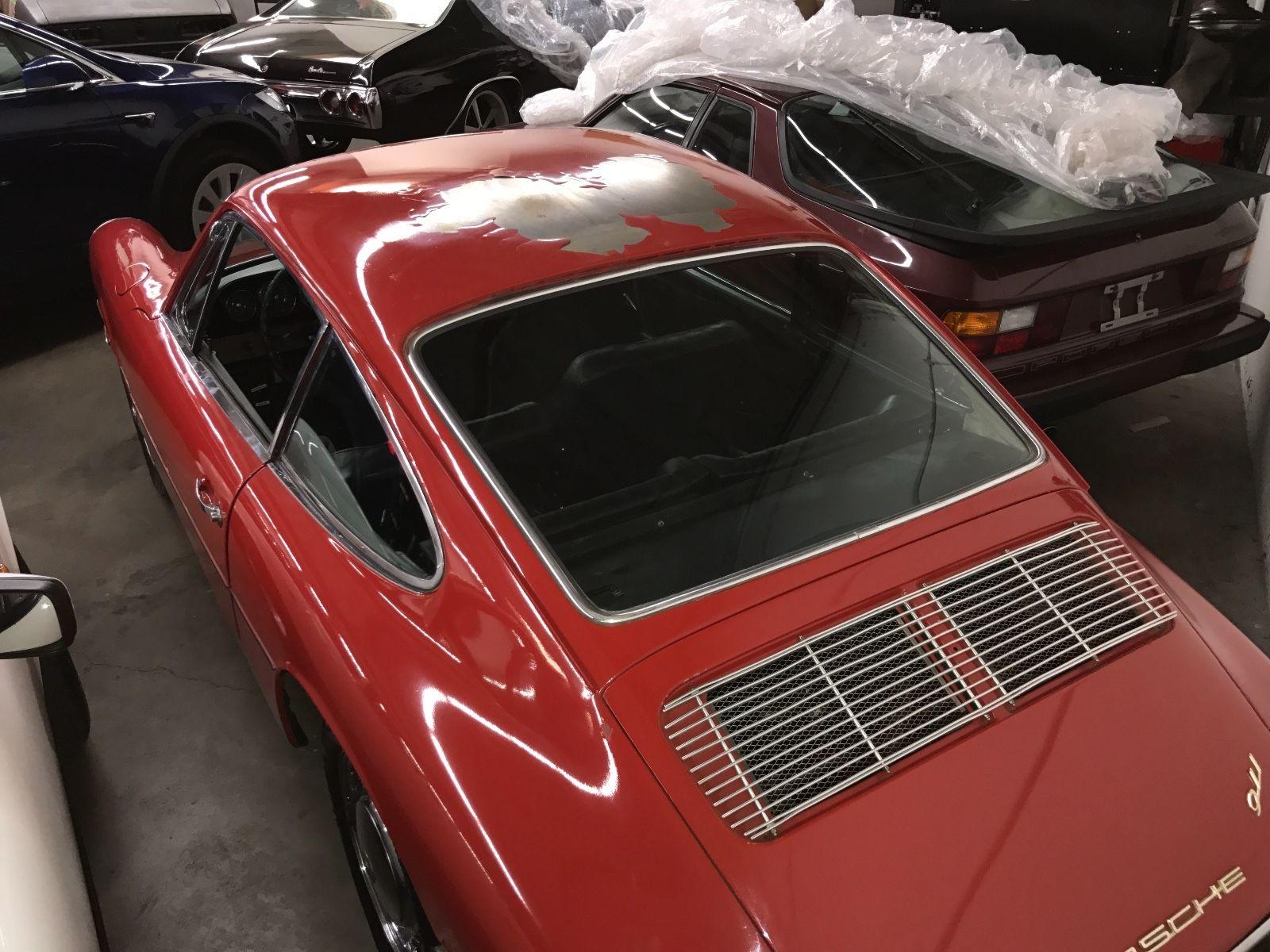 Porsche 911 1965 barn find (4)