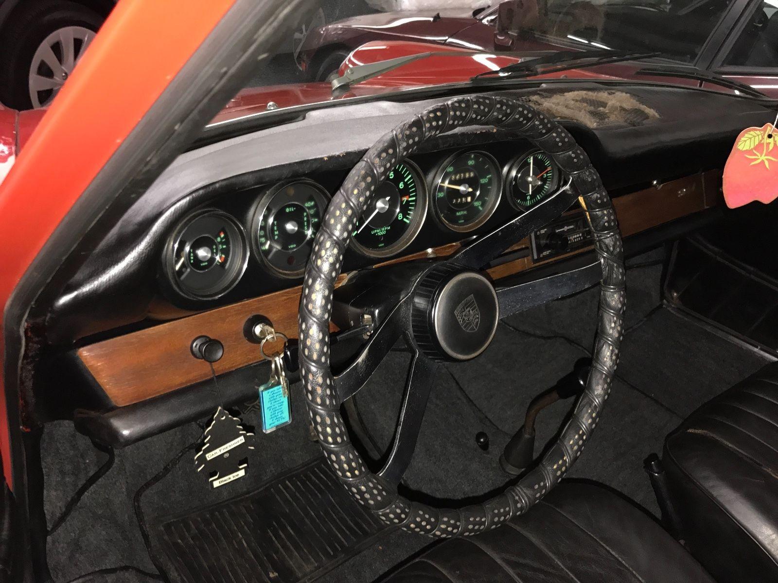 Porsche 911 1965 barn find (9)