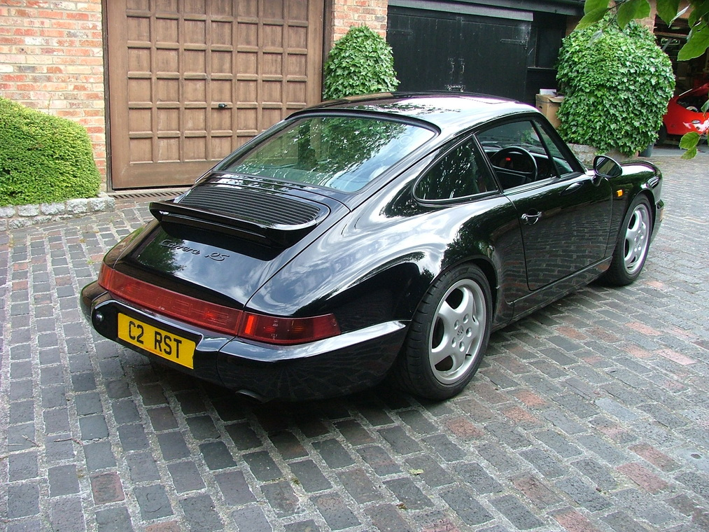 Porsche 911 964 RS Touring 1992 in auction (2)