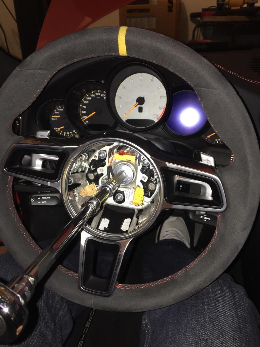 Porsche 911 991 GT3 RS with manual gearbox (1)