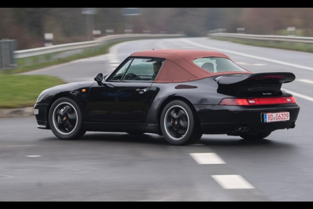 02-porsche-911-993-turbo-cabriolet-veiling (1)