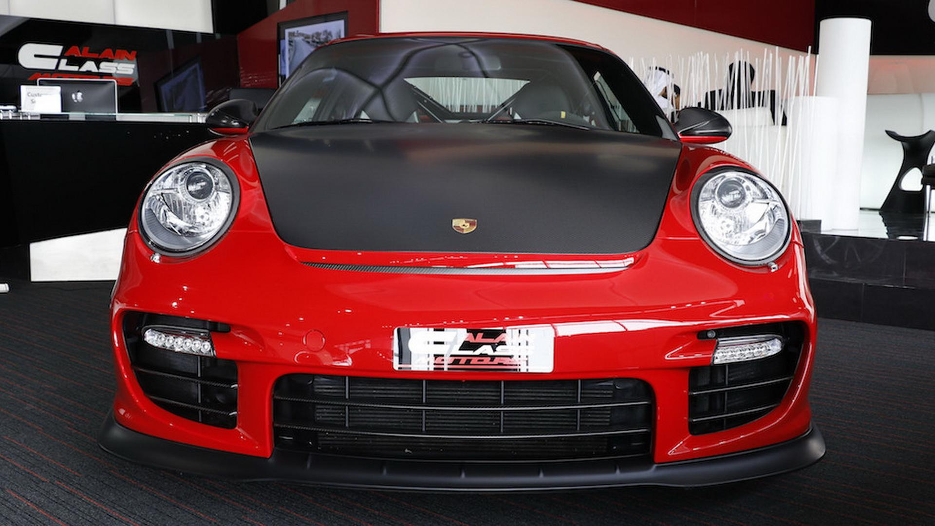 2011_Porsche_911_GT2_RS_for_sale_05