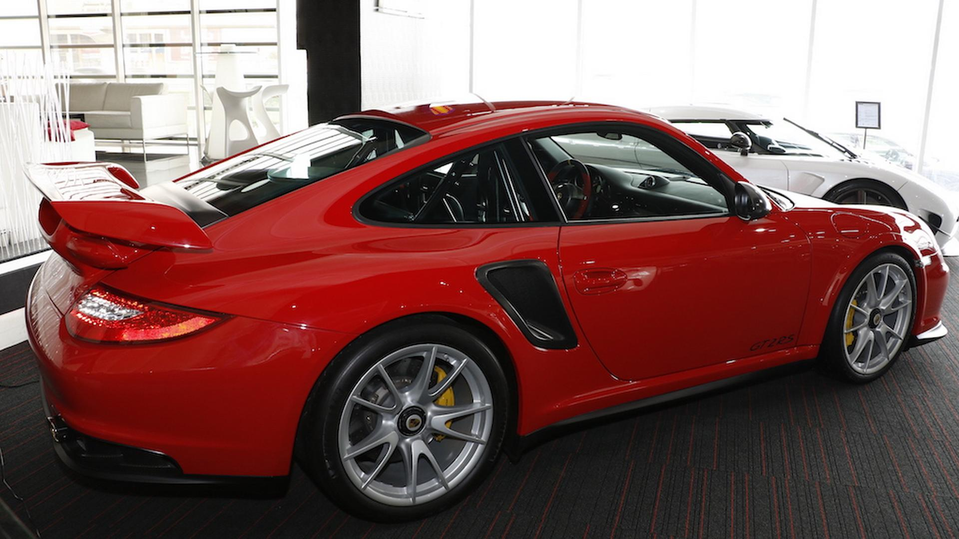 2011_Porsche_911_GT2_RS_for_sale_07