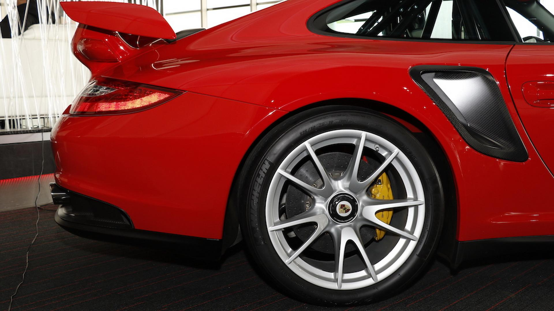 2011_Porsche_911_GT2_RS_for_sale_17