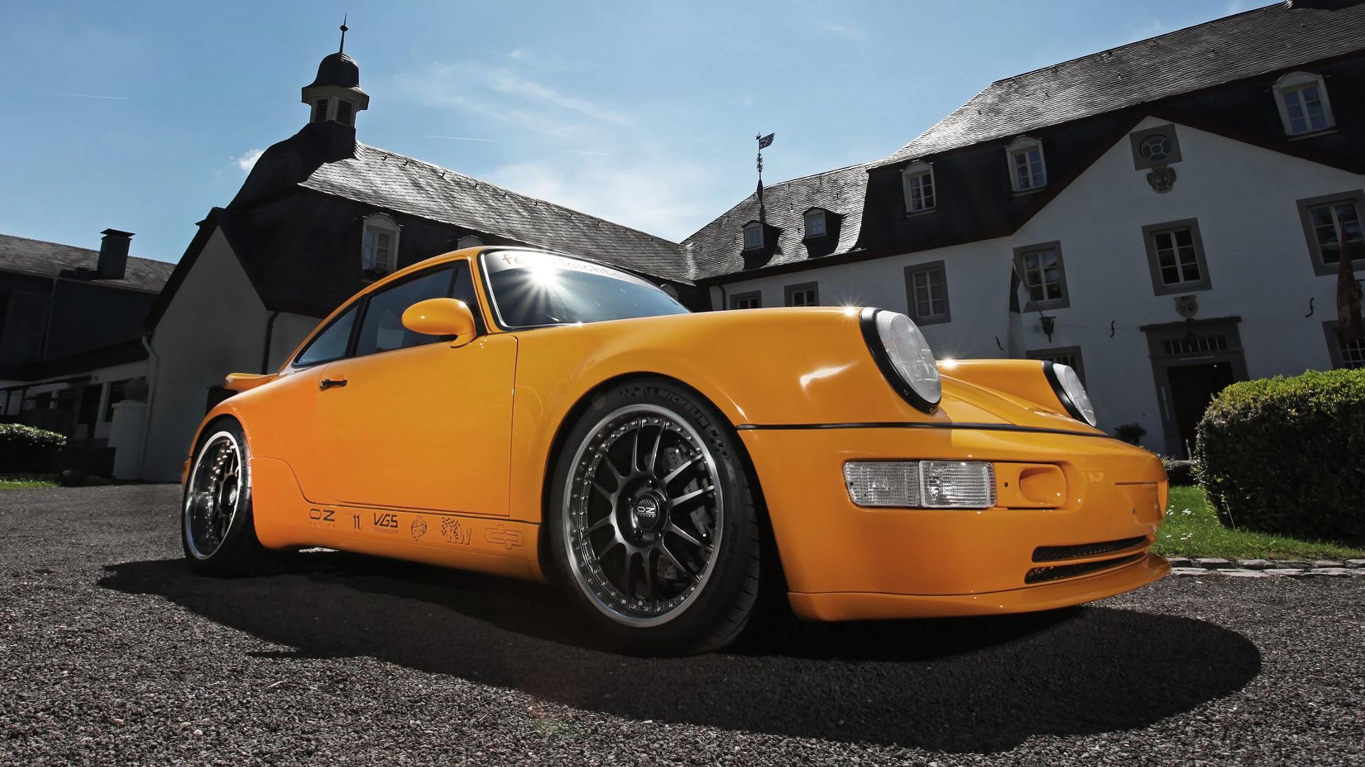 Porsche_911_by_DP_Motorsport_03