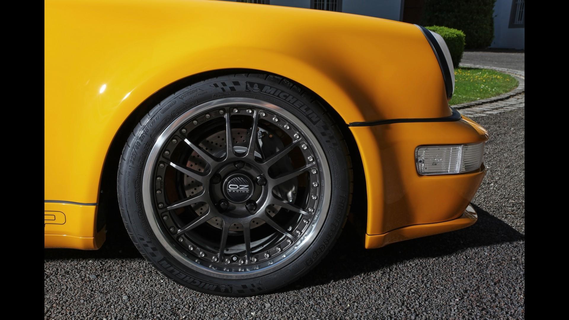 Porsche_911_by_DP_Motorsport_14