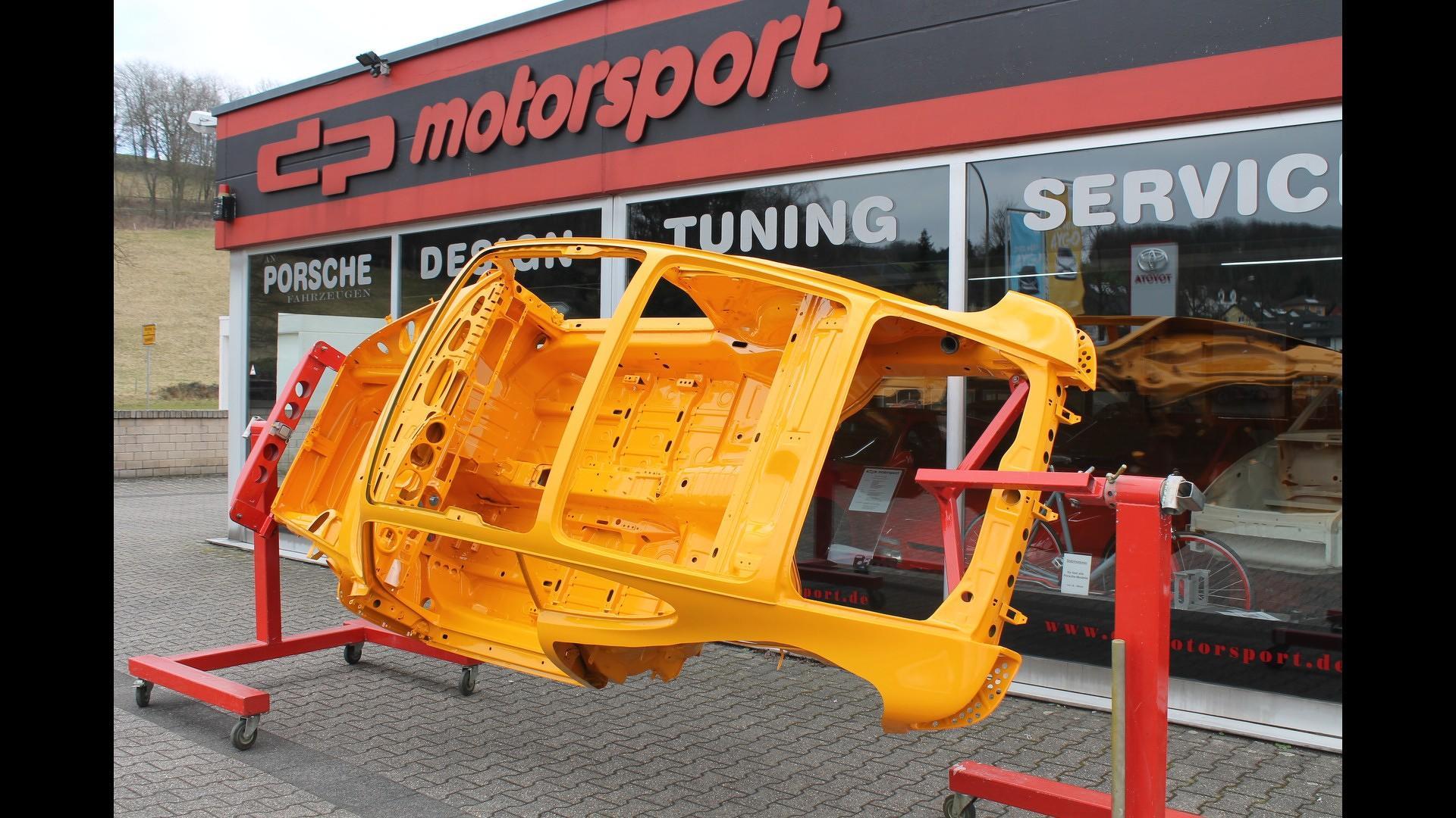 Porsche_911_by_DP_Motorsport_31
