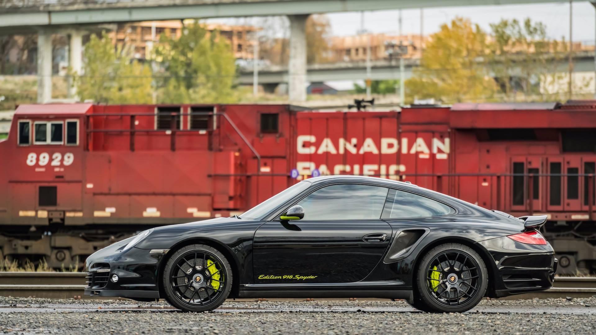Porsche_911_Edition_918_Spyder_0006