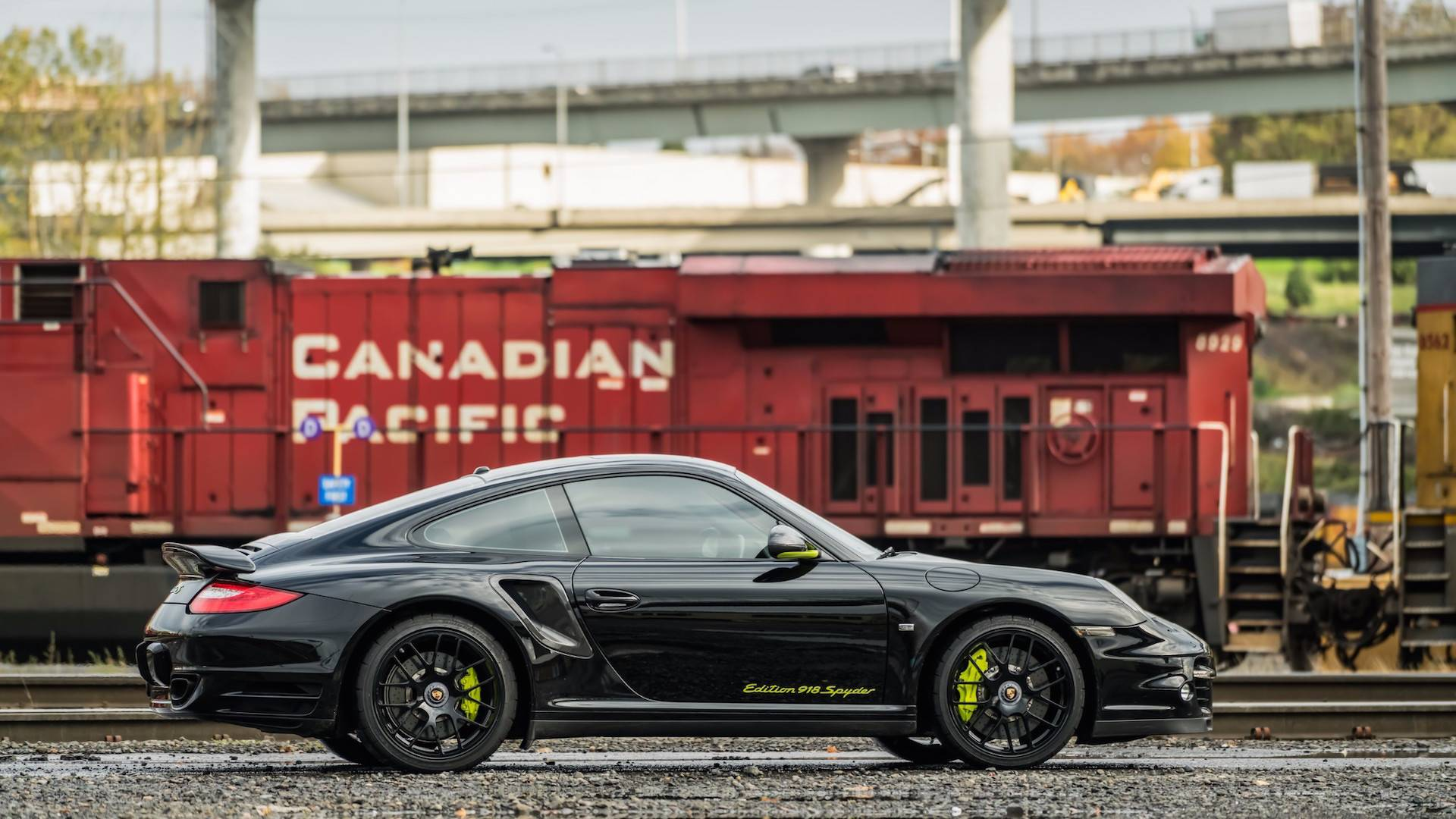 Porsche_911_Edition_918_Spyder_0007