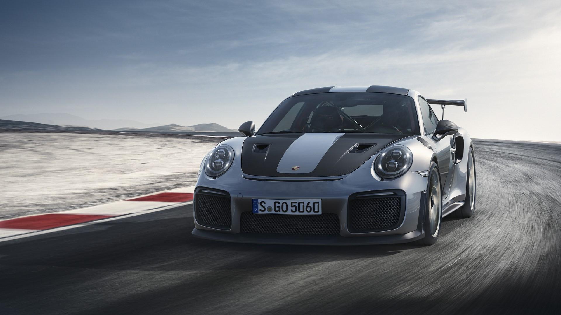 Porsche 911 GT2 RS 2018 (2)
