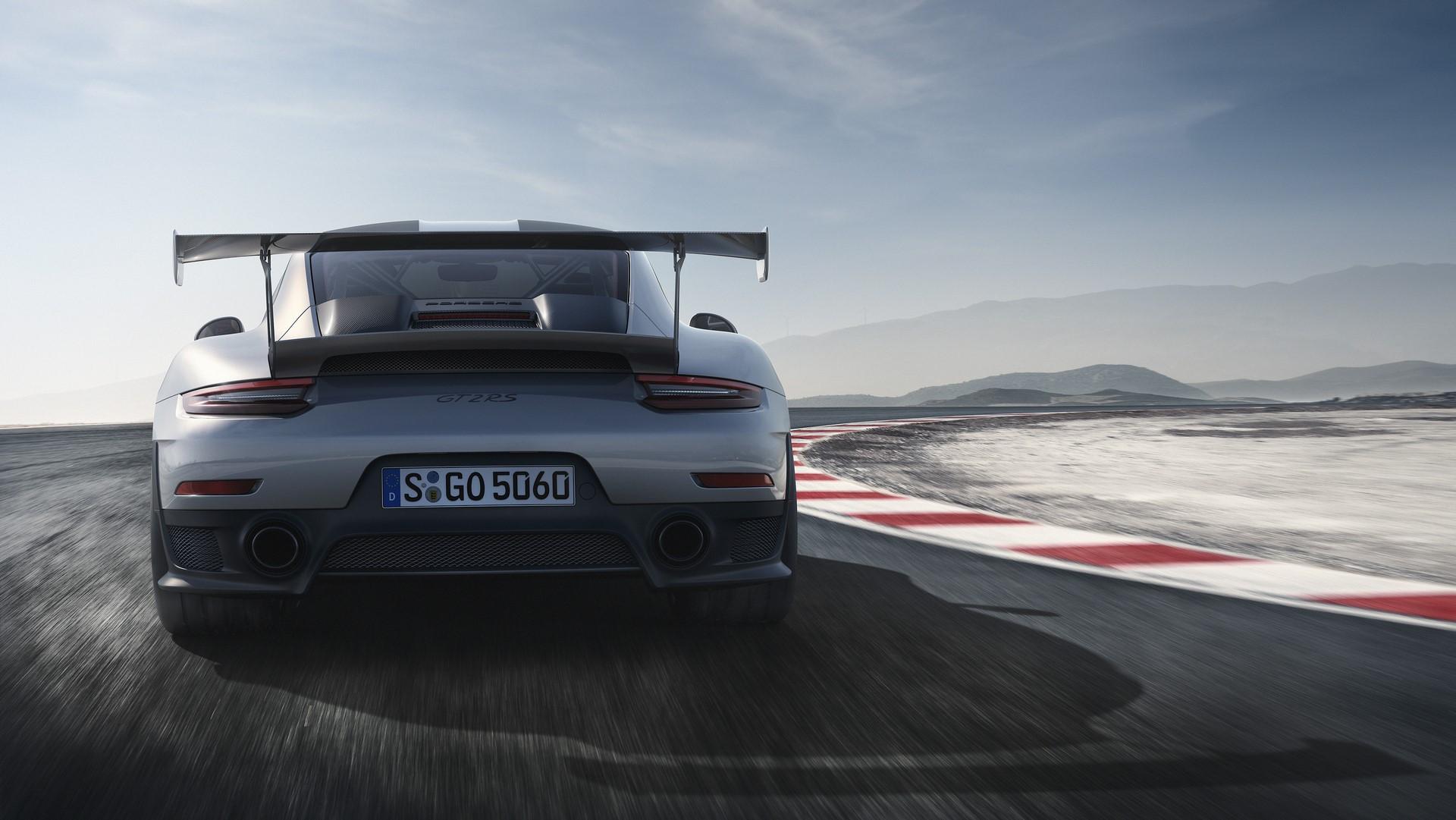 Porsche 911 GT2 RS 2018 (5)