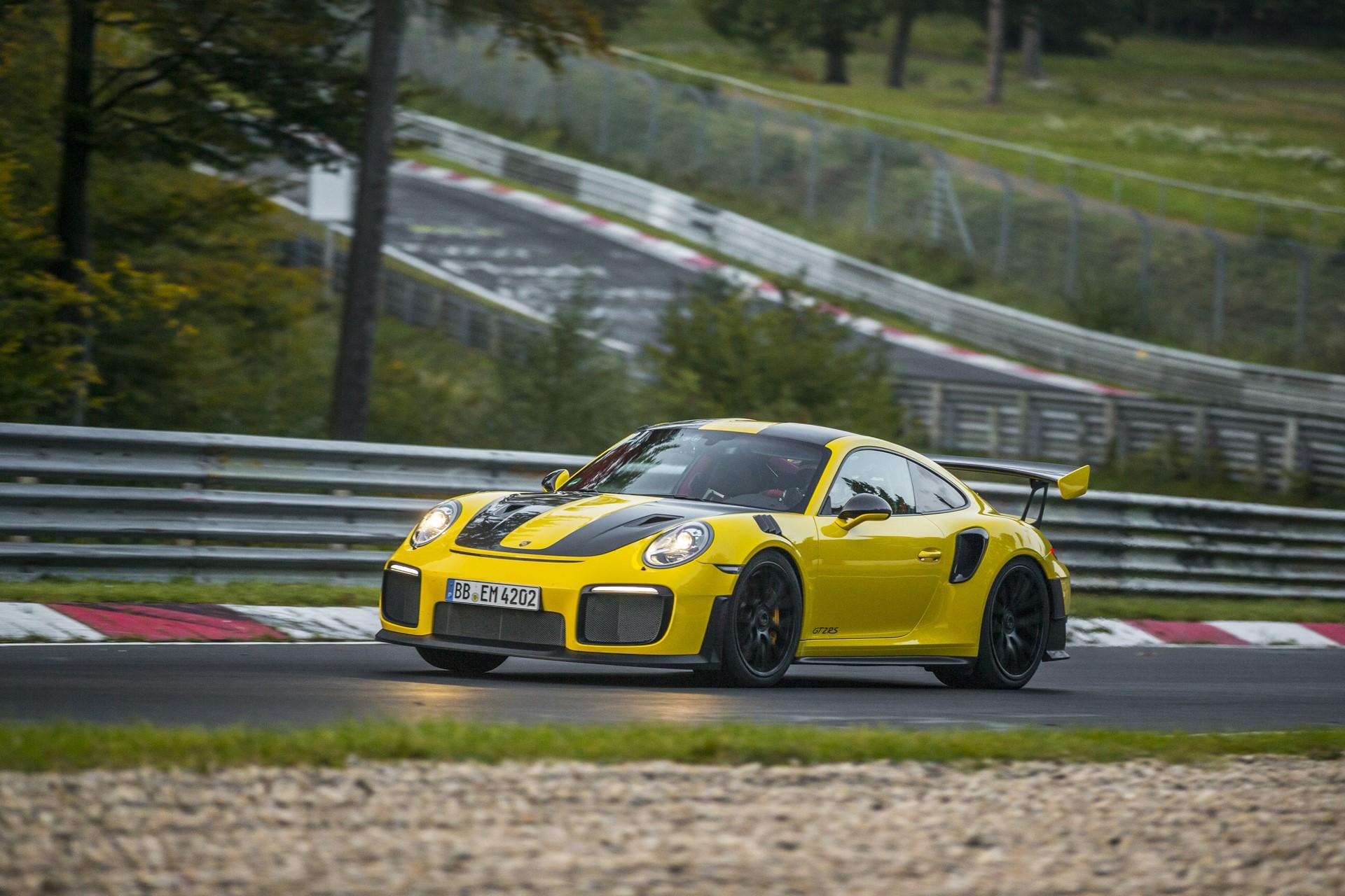 Porsche 911 GT2 RS Nurburgring lap record (3)