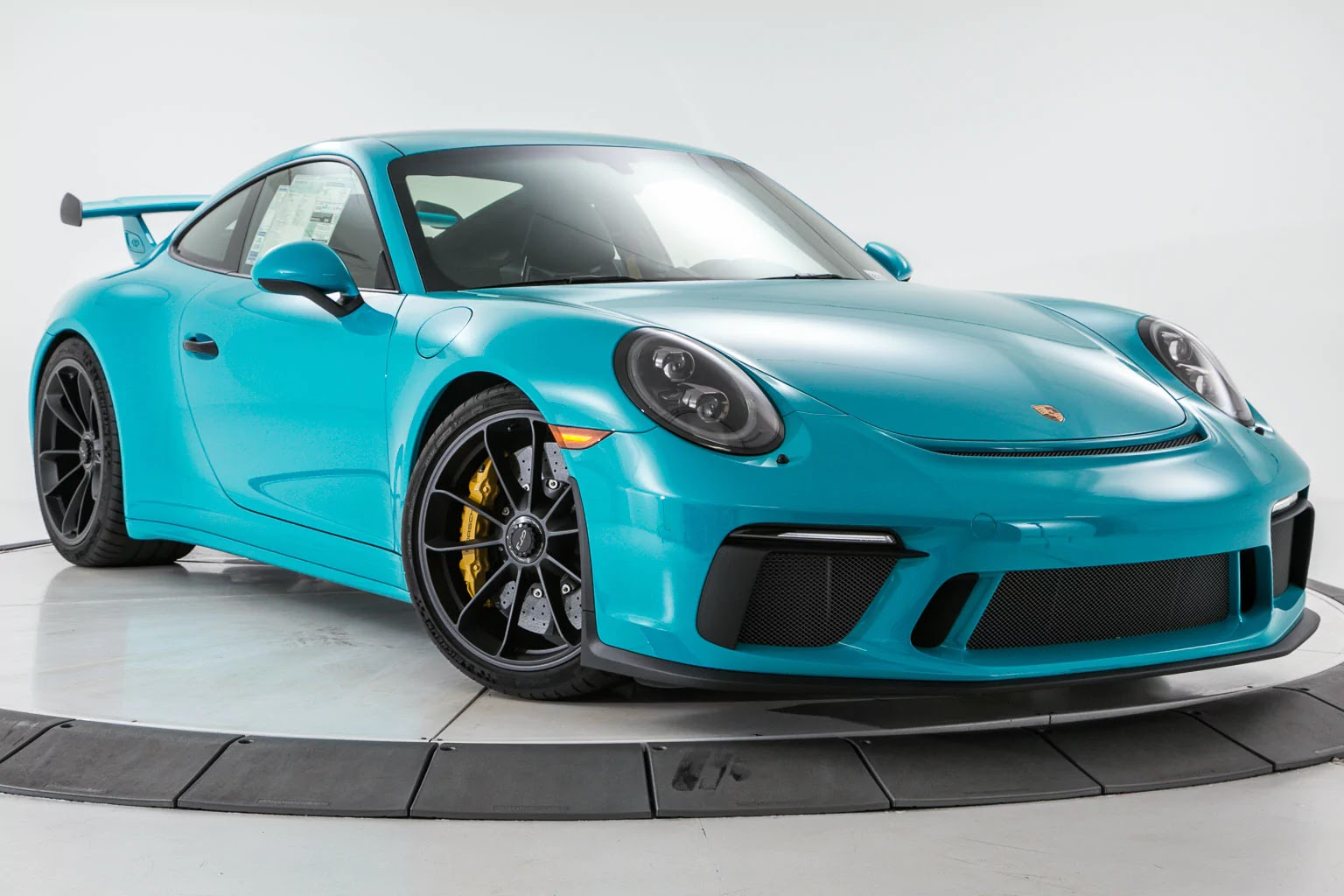 Porsche_911_GT3_Miami_Blue_00