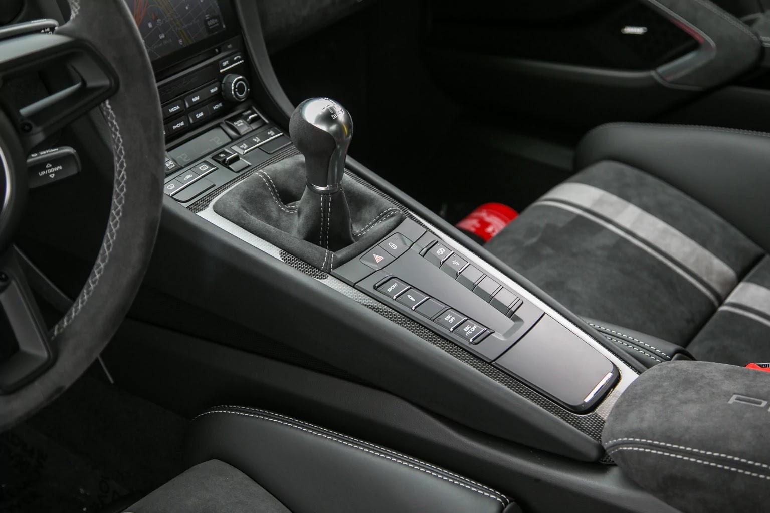 Porsche_911_GT3_Miami_Blue_07