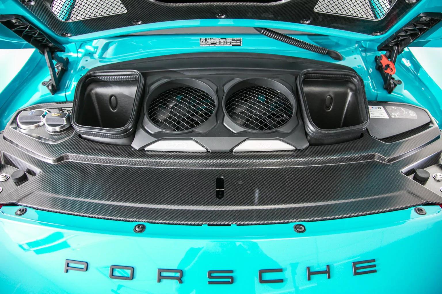 Porsche_911_GT3_Miami_Blue_08