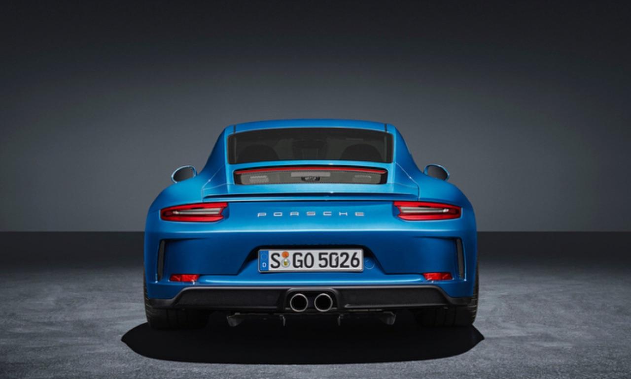 Porsche-911-GT3-Touring-Package-01