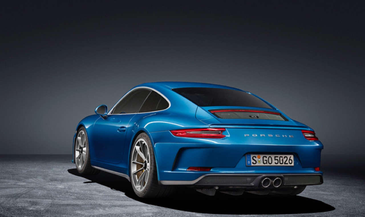 Porsche-911-GT3-Touring-Package-02