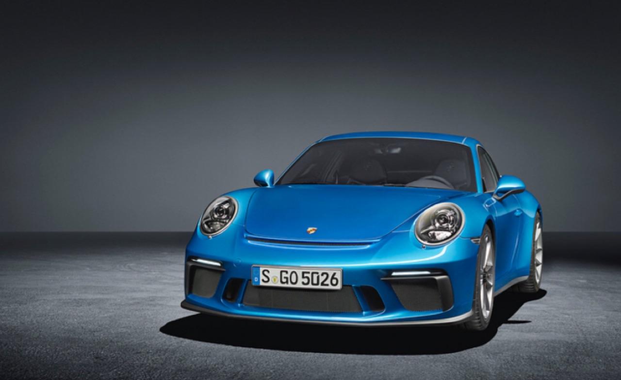 Porsche-911-GT3-Touring-Package-04