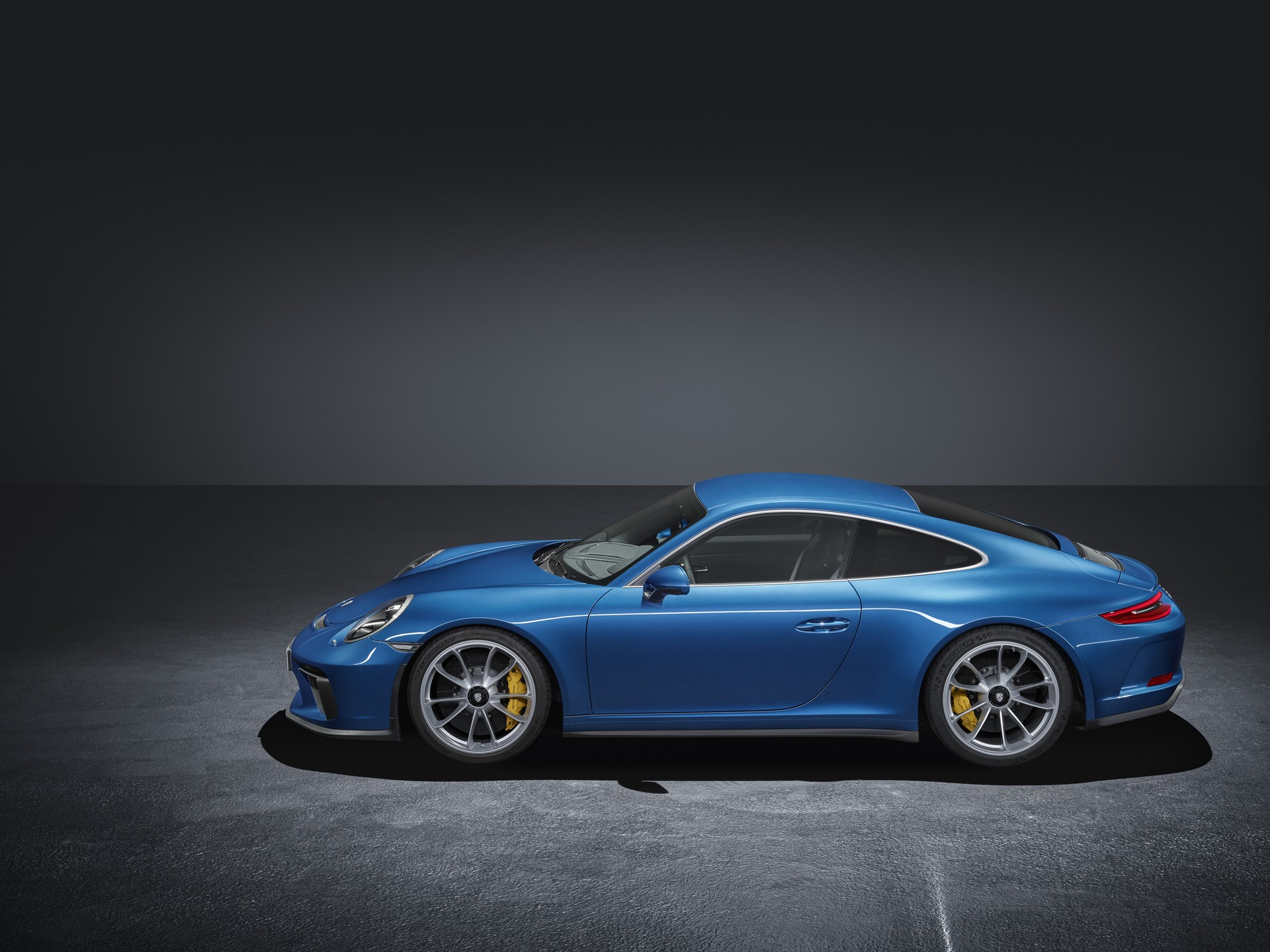 Porsche 911 GT3 with Touring package (4)