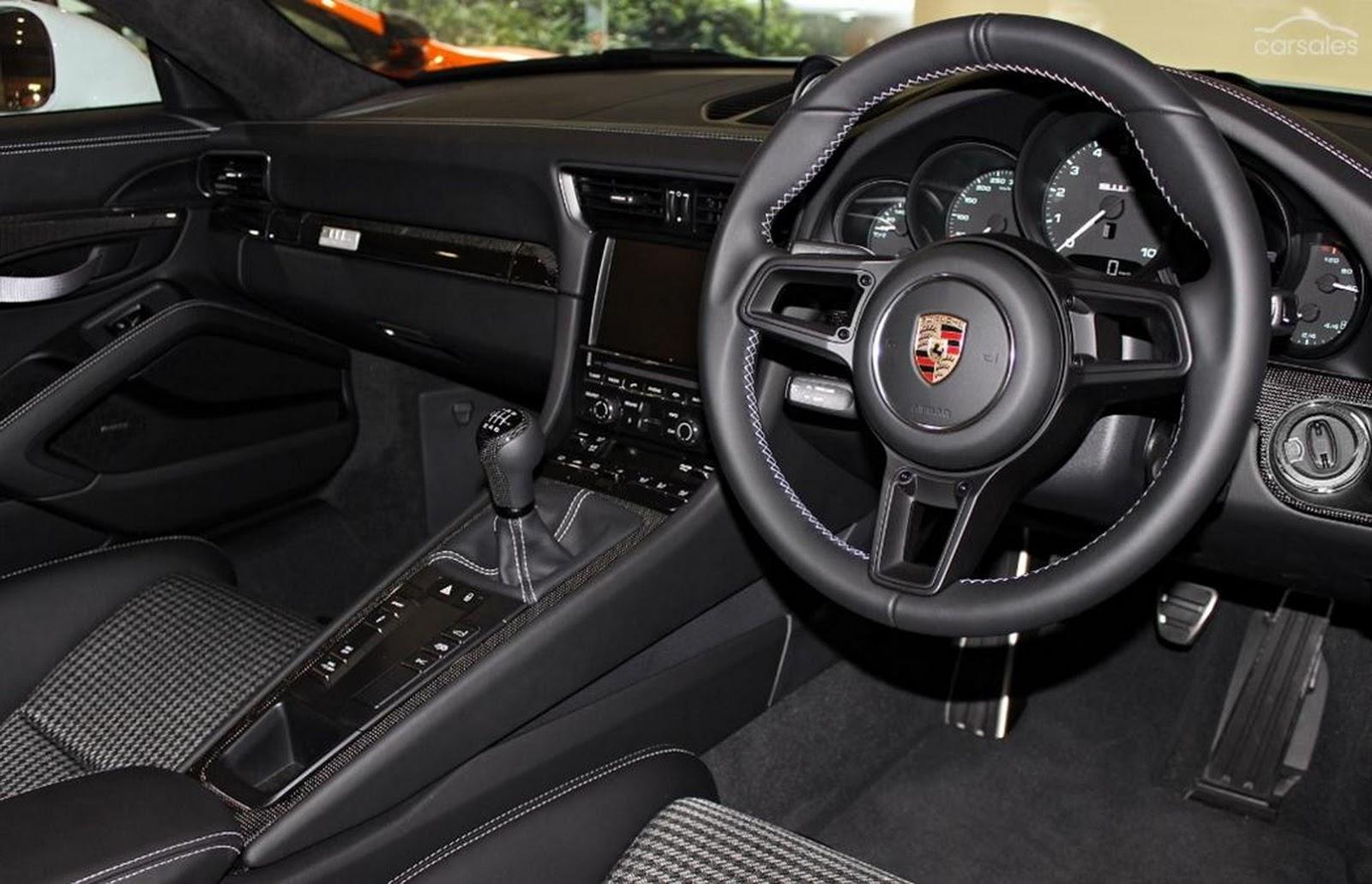 Porsche-911-R-11