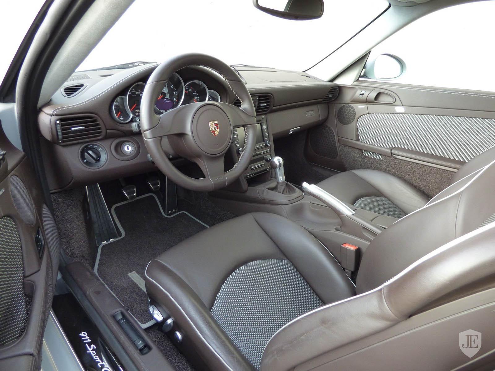 Porsche_911_Sport_Classic_10