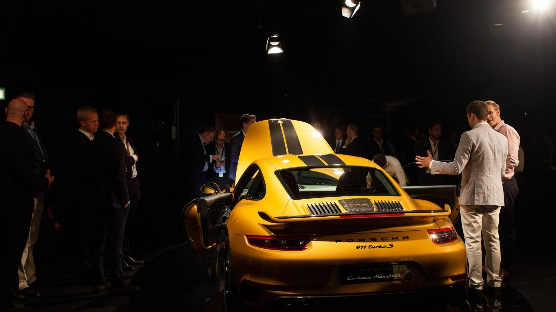 Porsche_911_Turbo_S_Exclusive_Series_10